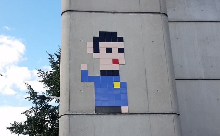 a mosaic of Spock on the wall of the metro stop
