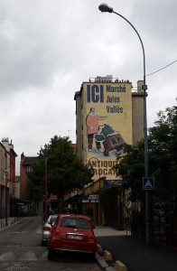 "mural saying ""ICI Marché de Jules Vallès"""