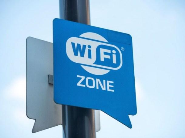 Les voyageurs d'affaires ignorent les risques du WiFi public