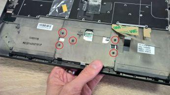 Připevnění touchpadu X1 Carbon