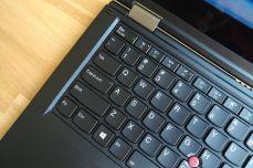 Indikační diody klávesnice.