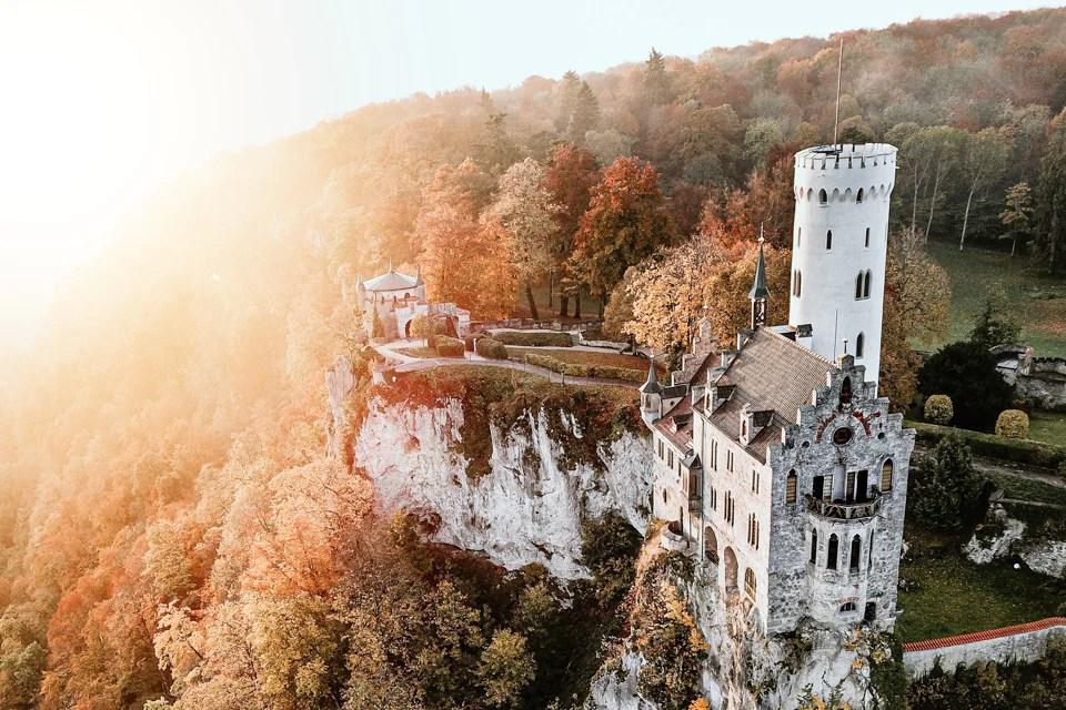 Schloss Lichtenstein 3 - 9 Fotospots für atemberaubende Herbstfotos in Deutschland