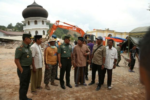 TNI Bantu Pembangunan Pasca Gempa di Provinsi NAD