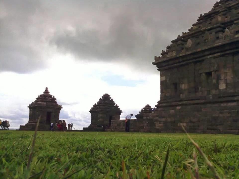 Indahnya Yogyakarta dari Tempat Wisata Candi Ijo