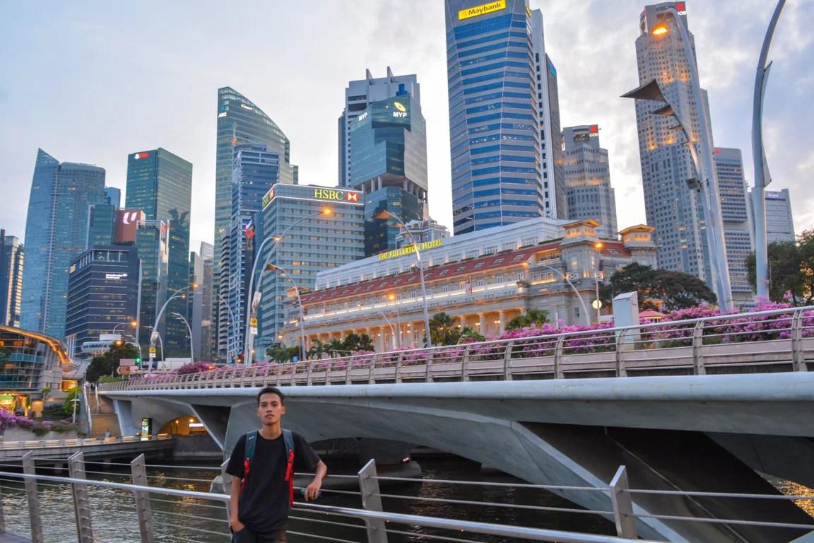 foto dari Jubilee Bridge singapore