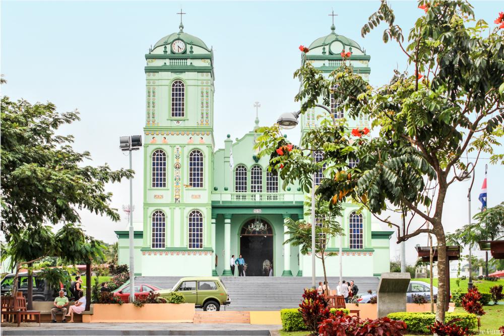 Bunte Kirche in Sarchi