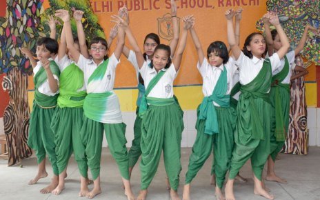 delhi public school ranchi celebrated van mohotsav and rakshabandhan festival