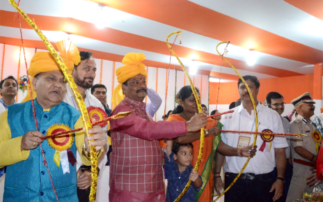 end-of-ravana-is-significance-of-win-of-truth-over-evil-raghuvar-das-cm-jharkhand