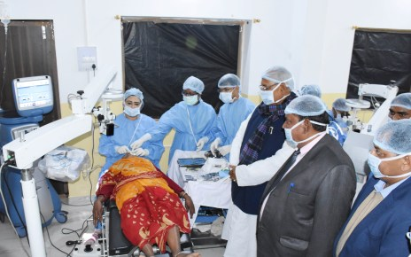 125 patients of Cataract get operated in vishrampur