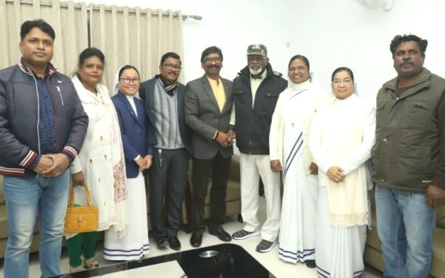 A delegation of sant anna ranchi met cm Jharkhand