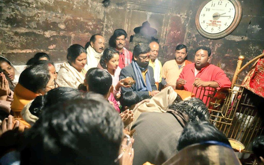 Cm Jharkhand, hemsnt soren worshipped in rajrappa mandir