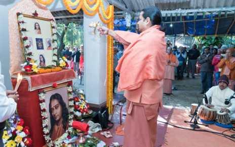 Birth celebration ceremony of paramhana yogdanand in yogda satsang math