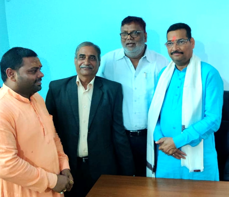 Vishwa brahman sabha felicitated newly appointed president of bjp Jharkhand