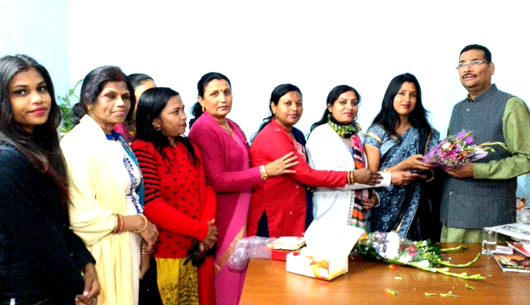 Bjp ranchi mahanagar mahila morcha felicitated deepak prakash on being appointed as president of bjp Jharkhand