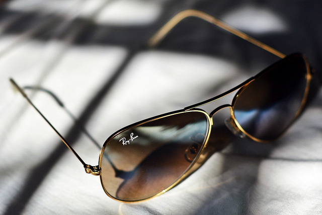 99d084d53 Confira os modelos de Ray Ban mais usado pelas famosas | Lentes e Óculos  Viallure