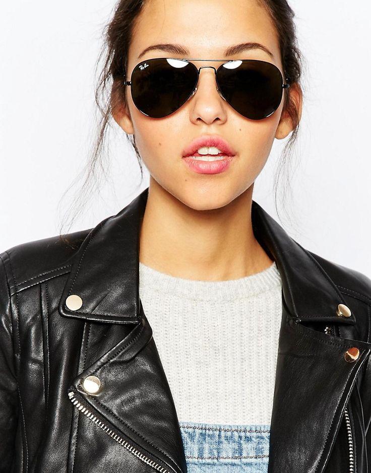 ef94ced37 Com diferentes tamanhos e tipos de lentes, fica bom tanto em mulheres  cheias de atitude e com looks mais pesados como jaquetas, quando em  composições mais ...