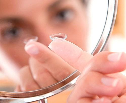 como descartar lentes de contato