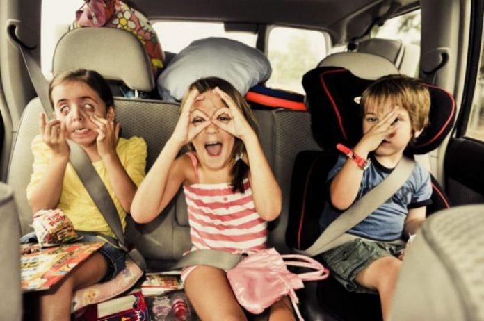 viaggiare con i bambini in auto
