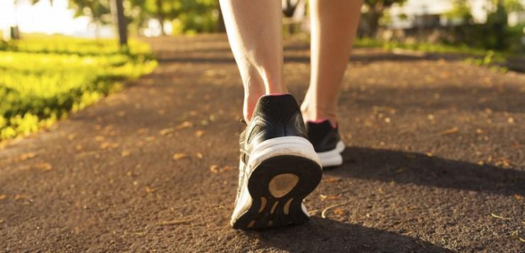 Guadagnare camminando. Le app che ti pagano per lasciare a casa l'auto
