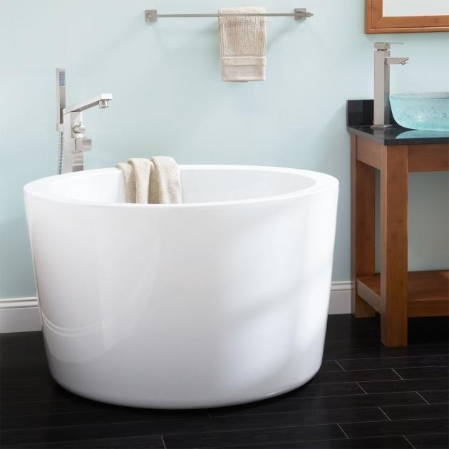 Small Japanese Soaking Tub  Bathtub Designs