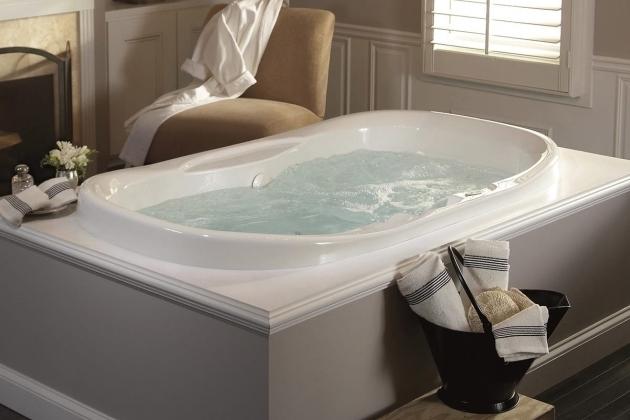 Whirlpool Tub Vs Jacuzzi Bathtub Designs