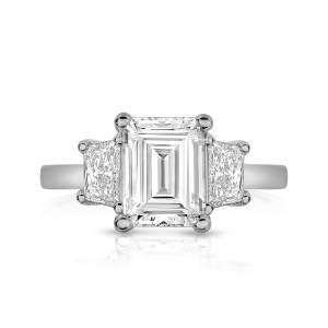 leo-ingwer-custom-diamond-engagement-three-stone-emerald-readiant-front-LET1071