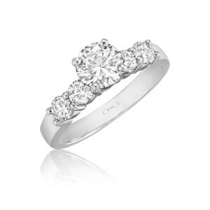 leo-ingwer-custom-diamond-engagement-diamond-solitaires-round-standing-lef07318