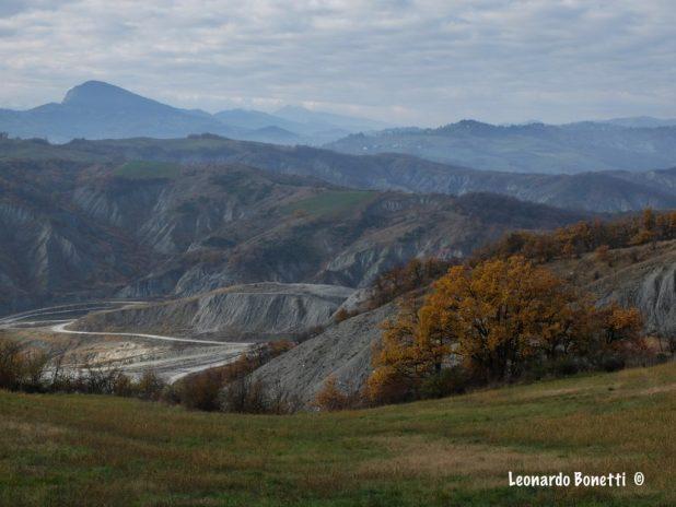 Il monte Valestra visto dal Maestà Bianca