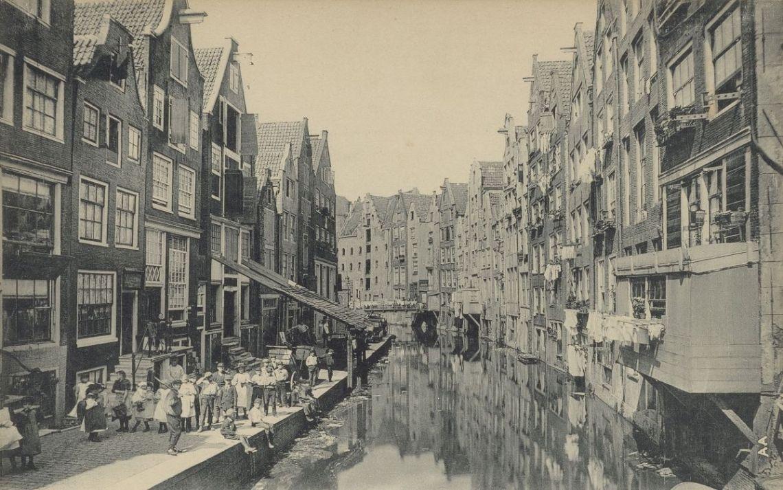 Oudezijds Achterburgwal Amsterdam_Stadsarchief Amsterdam