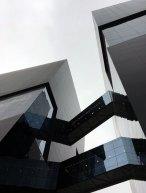 Torre Cincuentenario Universidad de Lima   Detalle puentes
