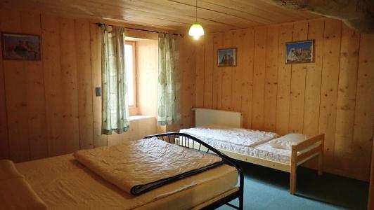 gite pour 10 personnes avec 3 chambres à coucher