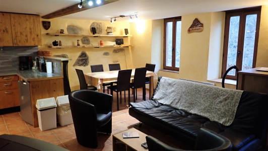 vakantiehuis-6-personen-pyreneeen-eetplaats-La-Benestante-2.jpg