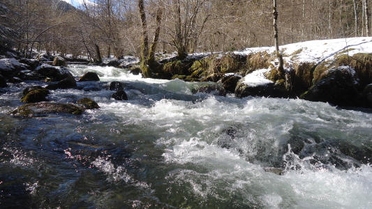 vakantiehuis-Pyreneeën-rivier-la-Touyre.jpg