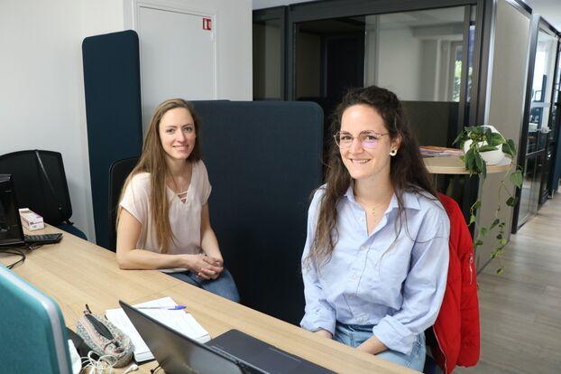 Zelia, étudiante de 19 ans (à gauche) et Valentin Tézier, fondateur de l'espace de coworking Laplace To Be à Arcueil.  LP / Marion Durand