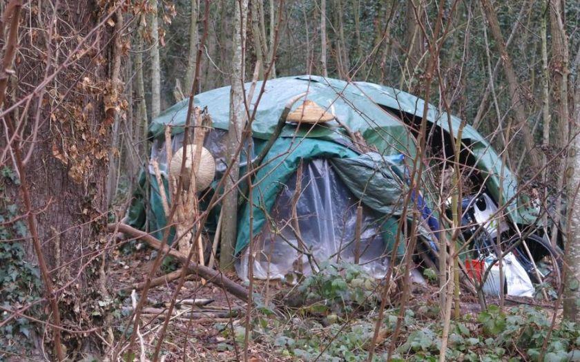 Paris : un SDF retrouvé mort dans le bois de Vincennes - Le Parisien