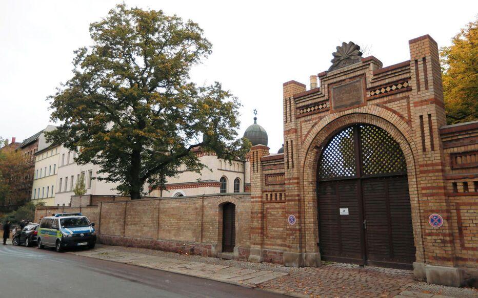 L'entrée de la synagogue de Halle, en Allemagne, prise pour cible le 9 octobre 2019 par un terroriste néo-nazi.