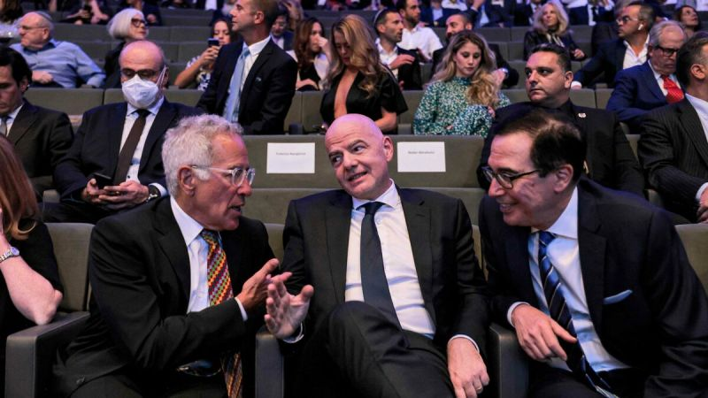 """World Cup: Gianni Infantino """"dreams"""" of an edition co-organized by Israel and the Emirates - featured image"""