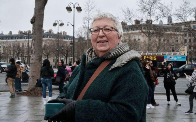 Les manifestations et les grèves n'ont pas perturbé les vacances de Martine, touriste suisse.