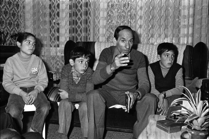 Devenu adulte, Jean-Baptiste Rambla, ici à droite auprès de son père en 1979, tuera à deux reprises, sans jamais réussir à donner d'explications. Serge Assier/Gamma