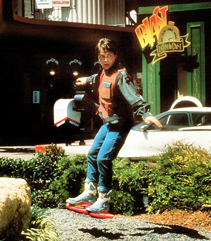 marty_mcfly_hoverboard_parisienheureux