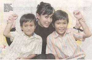 Gambar Terkini 2 Anak Lelaki Fauziah Latiff Yg Sudah Meningkat Dewasa. Dua-Dua Handsome Dan Pasti Buat Wanita Cair !…