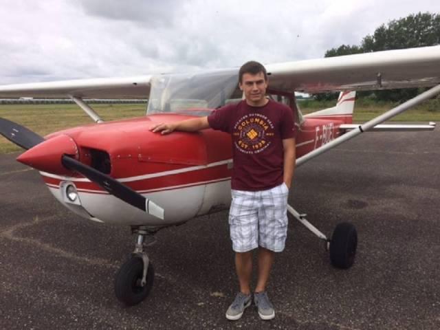 Christopher Grand, 21 ans, vient de passer avec succès sa licence de pilote.