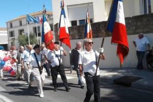 Les drapeaux pendant le défilé