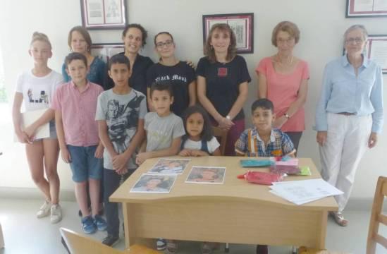 Les enfants et l'équipe d'Élodie au Musée.