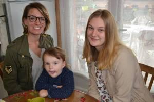 La famille Laetitia Molène a accueilli  l'étudiante autrichienne Miriam .  Tentez l'expérience, contactez Autriche et Pays d'Oc