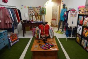 Laura et sa boutique de milles couleurs