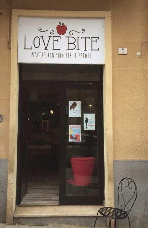 Ingresso di Love Bite a Cagliari