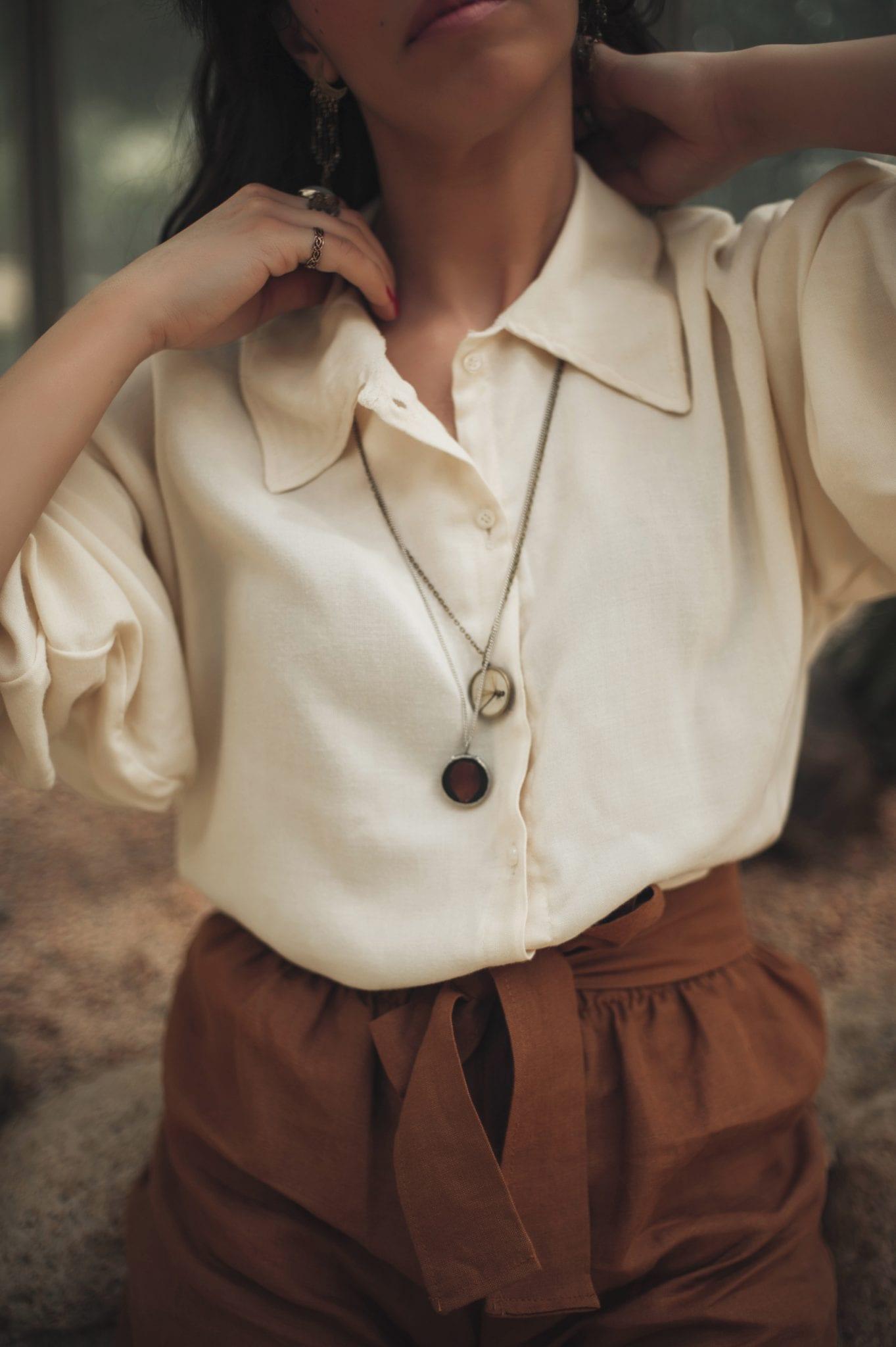 Dettaglio camicia - Carolina Emme - Le plume