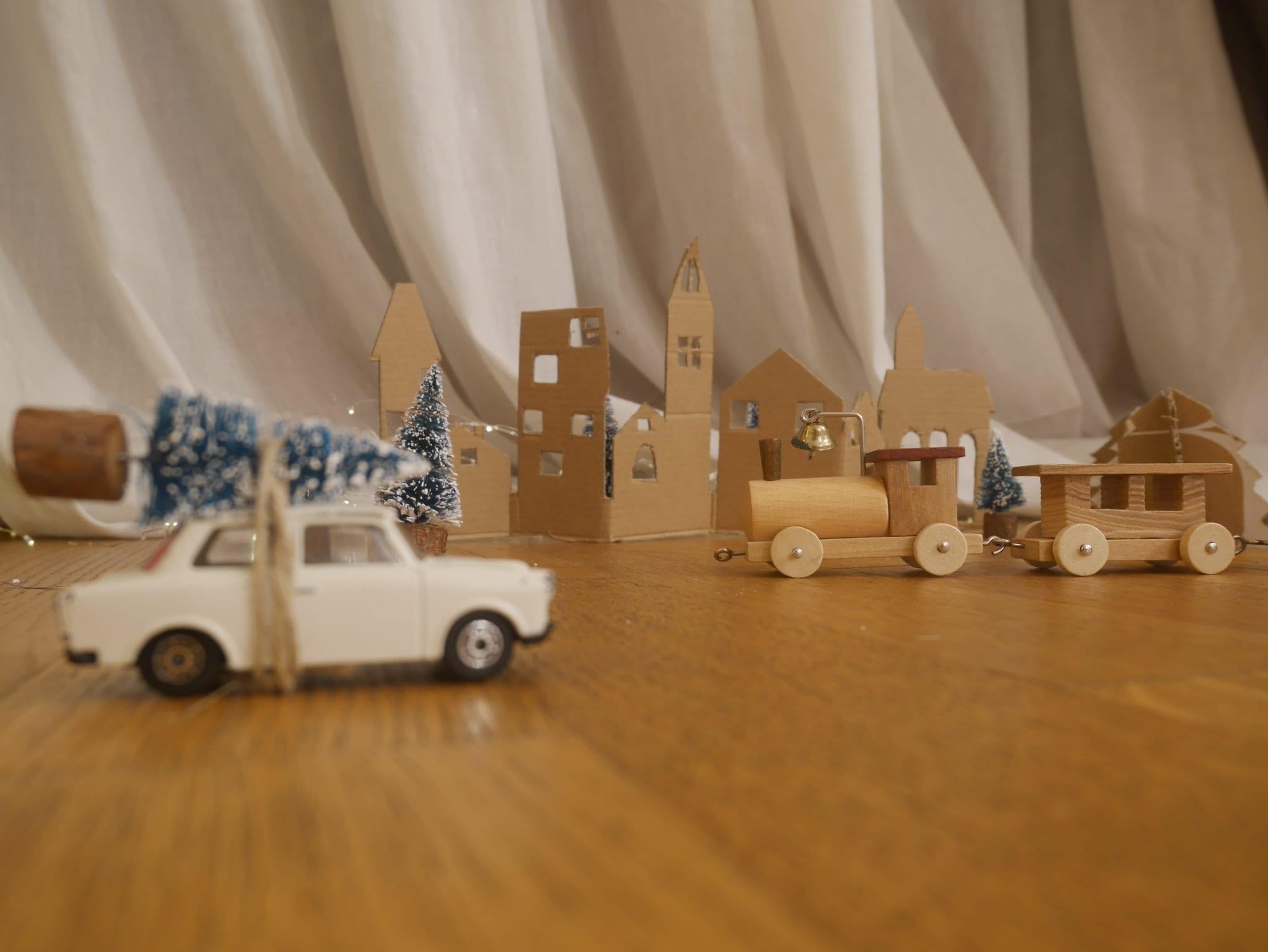 Macchina Villaggio Natale - Le Plume
