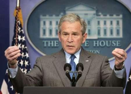 Bush critique la volonté d'Obama de parler avec Cuba et l'Iran